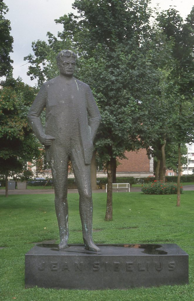the statue of Jean Sibelius in his home town of Hämeenlinna spotted while I was traveling through Finland
