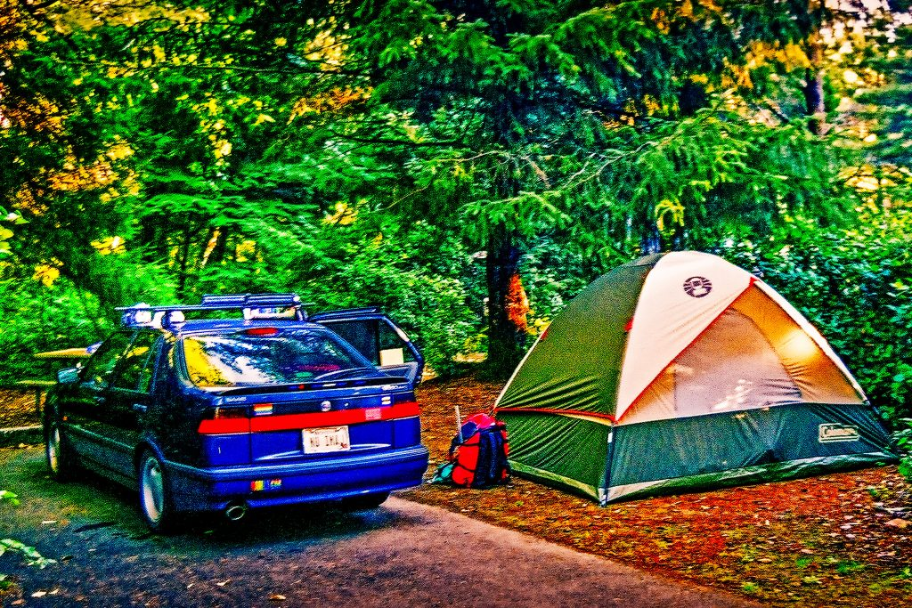 My 1995 Saab 9000 Aero Camping in the Columbia Gorge
